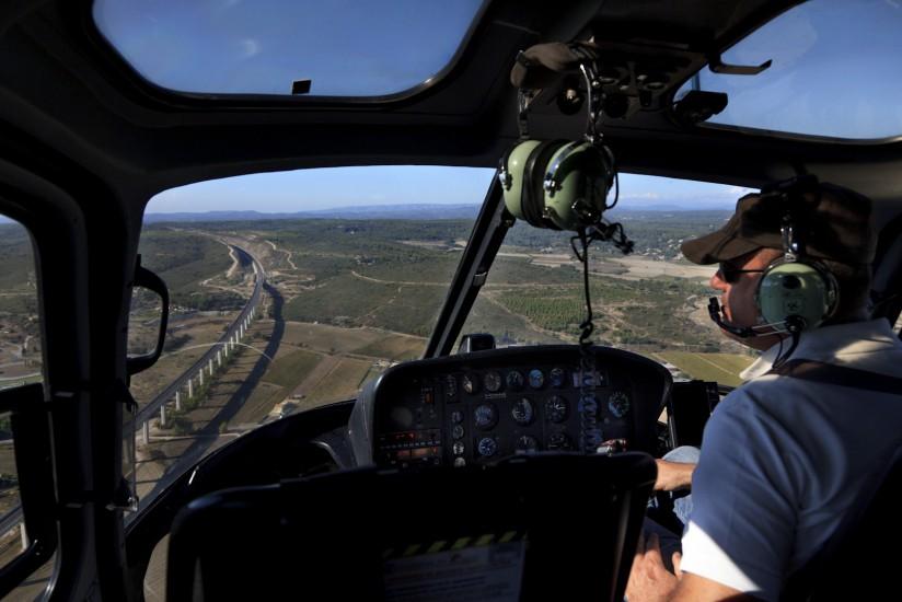 Hélicoptère en vol