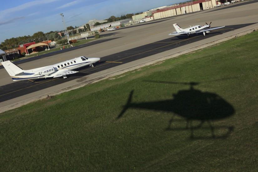 Aéroport régional Avignon-Caumont LFMV