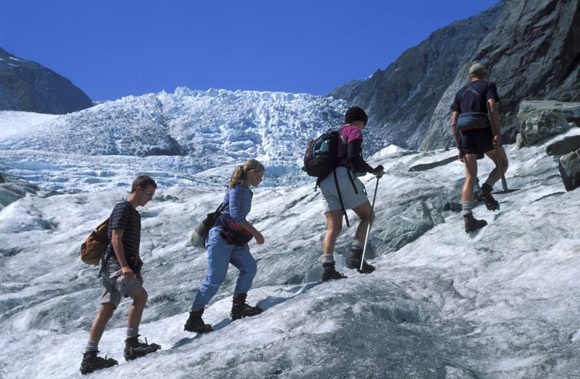 Trekking sur un glacier en Nouvelle Zélande