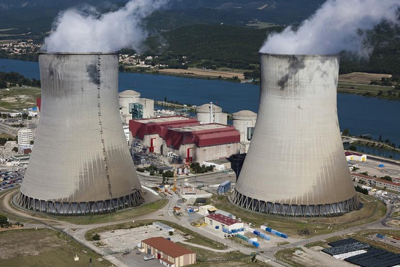 Images aériennes centrale nucléaire Cruas.