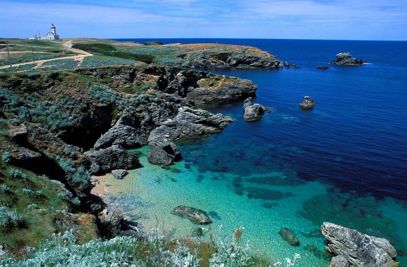 MORBIHAN  - Belle île, Houat, Hoëdic . Les trois îles bretonnes sont posées à la pointe sud de Quiberon. Elles vivent au rythme des bateaux et des marées. En toile de fond, le fracas des vagues et les landes fleuries. (160 photos) Voir le reportage sur Divergence-Images