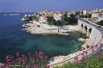 Illustration de la Corniche, du Vallon des Auffes, des plages des Catalans, du Prado. Marseille l'été, Sea and Sun.  Voir le reportage sur Divergence-Images