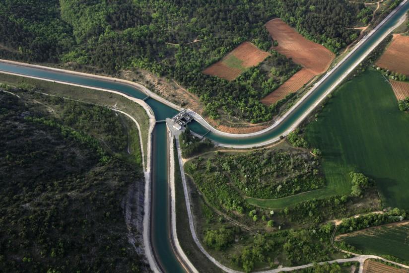 FRANCE - Provence - Var. Vues aériennes duparc solaire de Vinon-sur-Verdon(19 photos)Voir le reportage sur Divergence-Images
