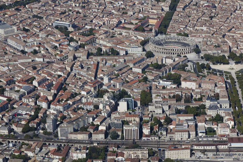 FRANCE - Paca - Gard - Ville de Nîmes. Vues aériennes de la ville de Nîmes, ses arènes, le Centre Hospitalier Universitaire CHU Carémeau, les grands ensembles Pissevin et Valledegour (37 photos) Voir le reportage sur Divergence-Images