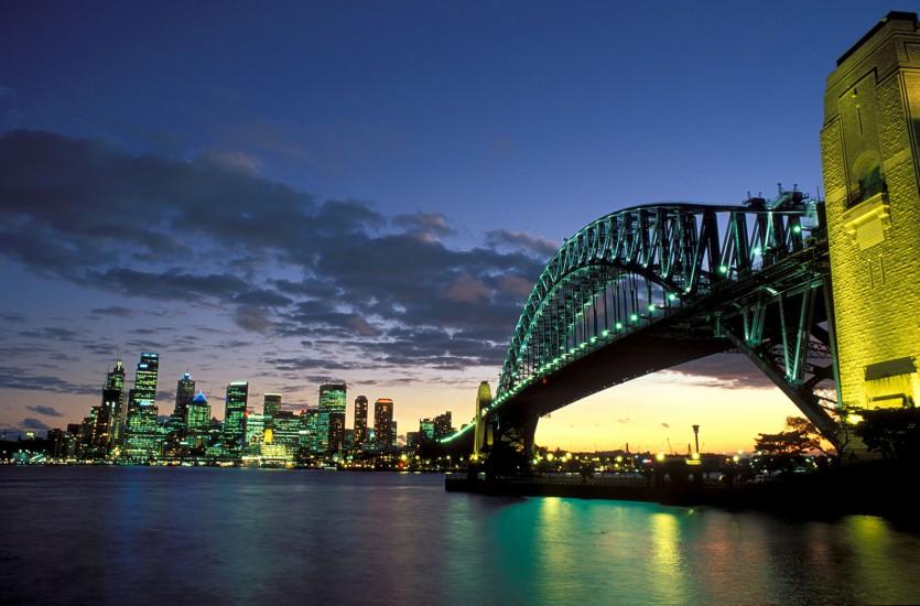 AUSTRALIE - Portrait de la capitale culturelle - Sydney, la raffinée des antipodes. Longtemps restée dans l'ombre du fait de son isolement géographique, Sydney l'australienne surprend par son dynamisme culturel. Plongée au cœur de la cité. (120 photos) Voir le reportage sur Divergence-Images