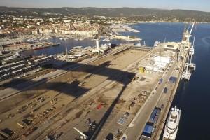 France, bouches-du-Rhône (13), La Ciotat, Port, chantiers navals, chantier de fondations spéciales,  Keller France