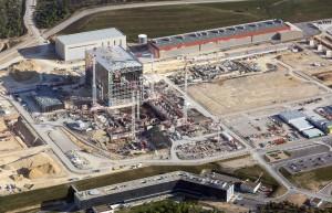 France, Bouches-du-Rhône (13), Saint-Paul-lès-Durance, Commissariat à l'Energie Atomique, CEA Cadarache, programme Iter, 42 ha, fusion nucléaire, Tokamak (vue aérienne MatthieuCOLIN.com )