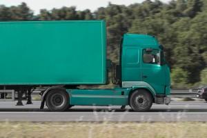 France, Bouches-du-Rhône (13),  Marseille, autoroute A55, transport en camion semi-remorque