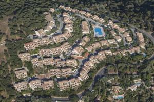 France, Var (83), La Croix Valmer, les rochers blancs,  (vue aérienne)