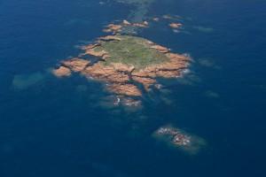 france, Var (83), littoral de la commune de Saint Raphaël, massif de l'Esterel, Cap Roux, Antheor, Agay, iles des Vieilles  (vue aérienne)
