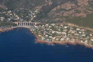 france, Var (83), littoral de la commune de Saint Raphaël, massif de l'Esterel, Cap Roux, Antheor, Agay (vue aérienne)