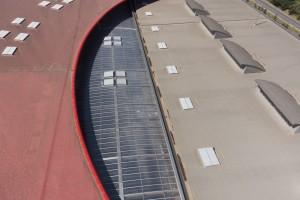 France, Var (83), La Garde, société Transfix du groupe Cahors, toit de verre Everlite, vue aérienne