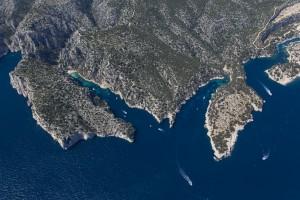 rance, Bouches-du-Rhône (13), Marseille et Cassis, Parc National des Calanques, massif des calanques En Vau, Port Pin, Port Miou (vue aérienne)