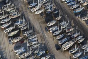 france, Bouches-du-Rhône (13), Parc naturel régional de Camargue, Port-Saint-Louis-du-Rhône, port à sec, voiliers et bateaux (vue aérienne)