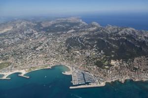 France, Bouches-du-Rhone (13),  Marseille,  8 ème arrondissement, la corniche du président Kennedy,  plages du Prado et de la Pointe Rouge (vue aérienne)