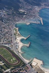 France, Bouches-du-Rhone (13),  Marseille, 8ème arrondissement, Pointe rouge, plages du Prado et Escale Borély (vue aerienne)