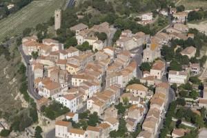 France, Hérault (34), village perché de Montady (vue aérienne)