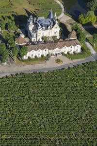 France, Gironde (33), Saint Emilion, Château hôtel le Grand Barrail, La Marzelle (vue aérienne)