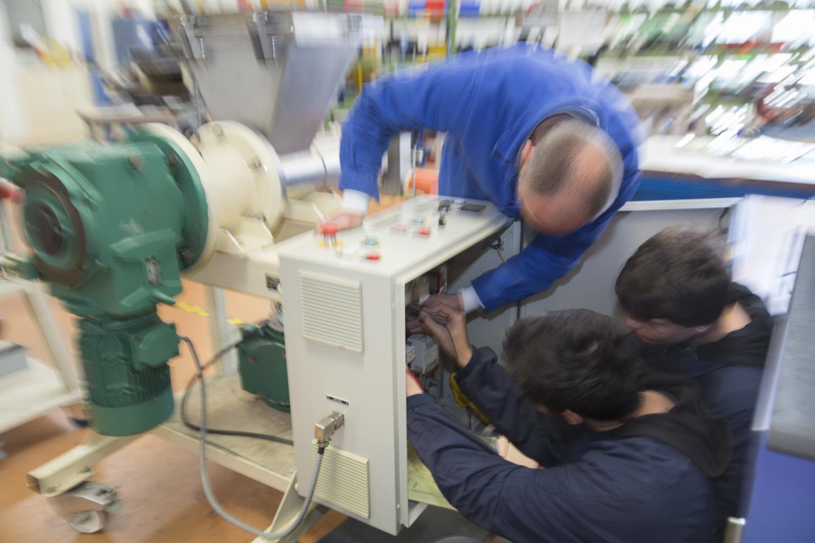 Lyc e professionnel lat co re des m tiers de l 39 industrie - Chambre des metiers des bouches du rhone ...
