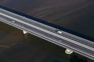 France, Maine-et-Loire (49), Saumur, la Loire, pont du cadre noir (vue aérienne)