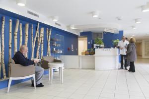 France, Bouches-du-Rhône (13), Marseille,  clinique Madeleine Remuzat, établissement de soins de suite et de réadaptation pour les patients âgés, accueil