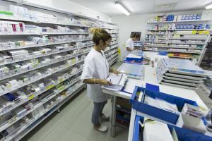 France, Bouches-du-Rhône (13), Marseille,  clinique Madeleine Remuzat, établissement de soins de suite et de réadaptation pour les patients âgés, pharmacie