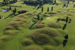 France, Yvelines (78), Trappes en Yvelines, golf Blue Green de la base de loisirs et reserve naturelle et etang de Saint Quentin en Yvelines (vue aerienne)