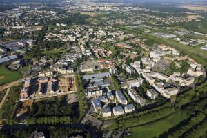 France, Yvelines (78), Trappes en Yvelines, plaine de Neauphle (vue aerienne)