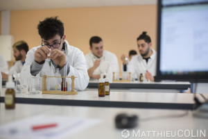 France, Alpes-Maritimes (06), Antibes,   CFA BTP, Centre de Formation d Apprentis Bâtiment Travaux Publics d'Antibes, chimie