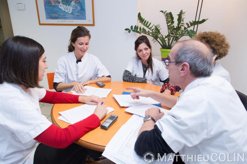 Etablissement de soins de suite et de réadaptation pour les patients âgés, réunion
