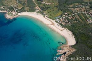 France. Corse du Sud (2A), commune de Cargèse,  plage d'Arone (vue aérienne)
