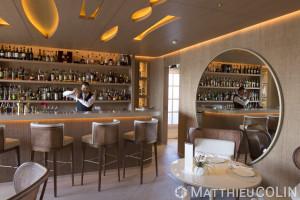France, Var (83) Saint Tropez, La Résidence de la Pinède, hôtel 5 étoiles Cheval Blanc du groupe LVMH, bar
