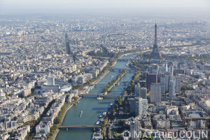 France, Paris (75), 16ème et 15ème arrondissement, Tour Eiffel, Maison de la radio, Seine (vue aérienne)