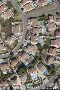 France, Gard (30), Nîmes, villa et piscine, Mas Démouriès (vue aérienne)