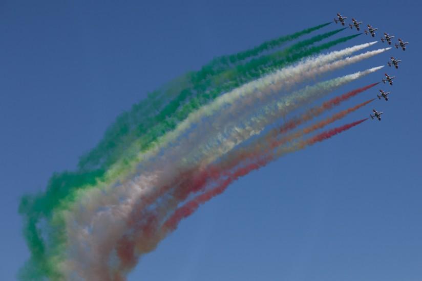 La Frecce Tricolori ou flèches tricolores, patrouille acrobatique de l'armée de l'air italienne