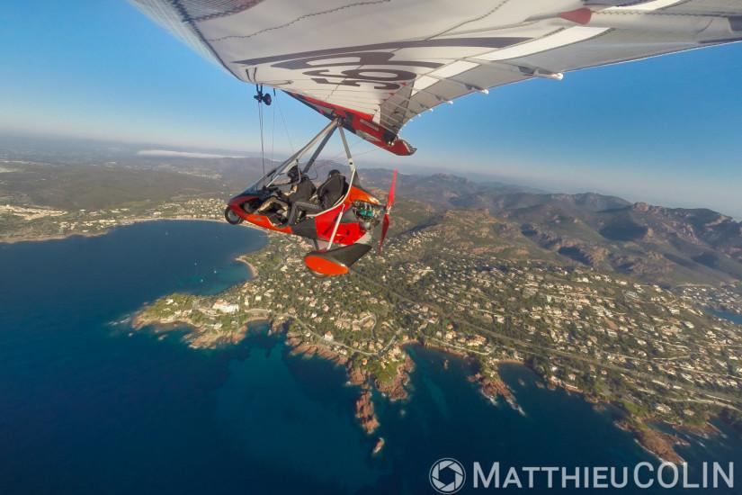 Littoral, massif de l'Esterel, vol en ULM pendulaire Tarnag 912 Air Creation Bionix (vue aérienne)