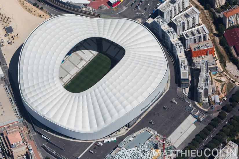 Marseille, stade Orange Vélodrome et le parc Chanot, parc des expostions près du rond poind du Prado, vue d'hélicoptère à 1500 mètres (vue aerienne)