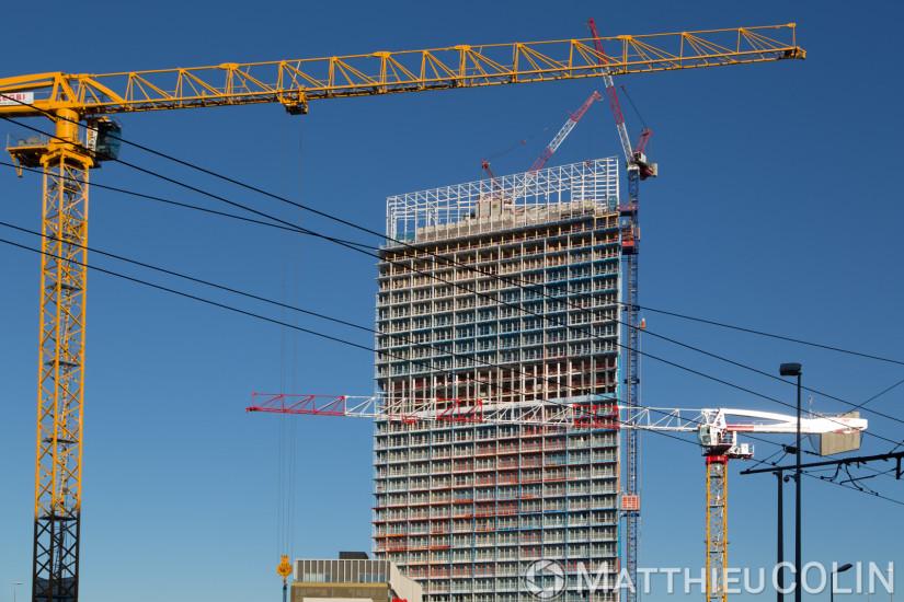 Quartier euromediterranee ou euromed, tour la Marseillaise de l'architecte Jean Nouvel, Vinci Consturction, chantier, grues