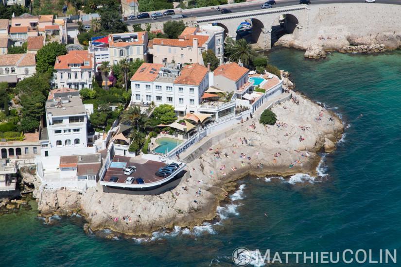 Hôtel et restaurant le Petit Nice, la corniche du président Kennedy, anse de la fausse monnaie (vue aérienne)