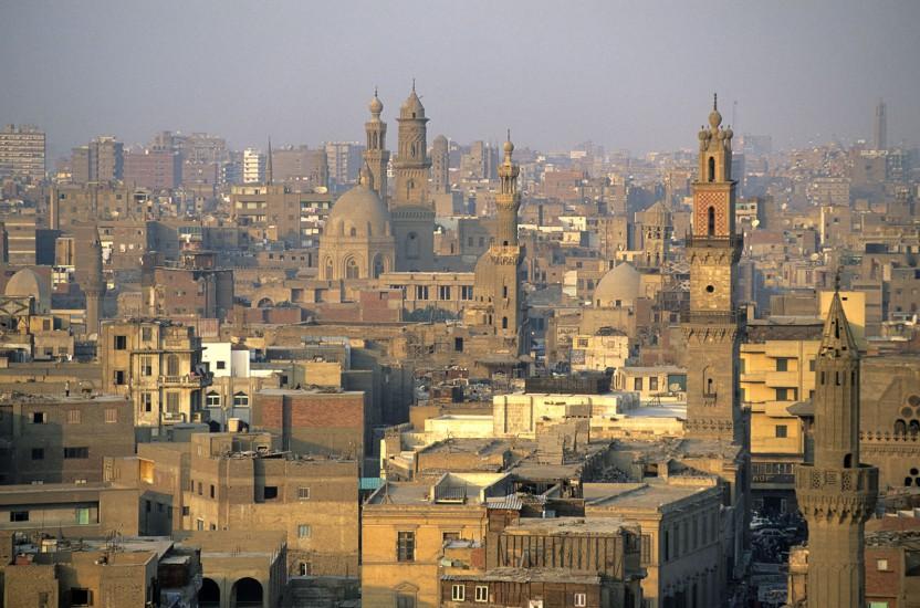 EGYPTE  - Dans le secret des souks - Le Caire des Souks. Coptes, Nubiens et Bédouins se mêlent dans les souks, des capharnaüms aux allures de cavernes d'Ali Baba. D'étals en étals, on est plongé dans le monde raffiné des artisans qui ont fait la légende de l'Orient.(140 photos) Voir le reportage sur Divergence-Images