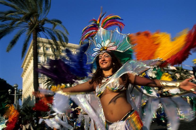 Sa Majestée, roi de Méditerranée. Premier carnaval de France et manifestation phare de l'hiver azuréen, le Carnaval de Nice attire en février plus d'un million de spectateurs. Malgré son succès, le roi Carnaval est resté fidèle à la tradition. (180 photos) Voir le reportage sur Divergence-Images