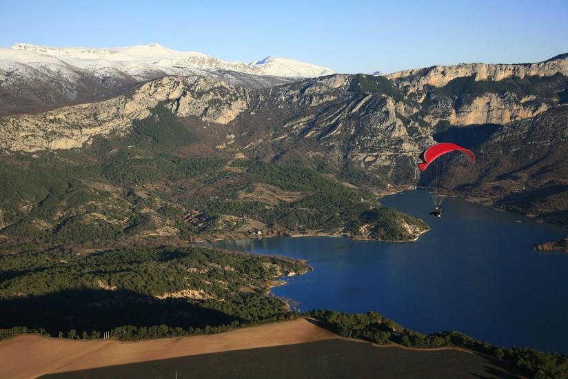 FRANCE - Paca - Alpes de Haute Provence et Var - Lac de Sainte Croix. Vues aériennes du lac de Sainte Croix du Verdon depuis le plateau de Valensole. (19 photos) Voir le reportage sur Divergence-Images
