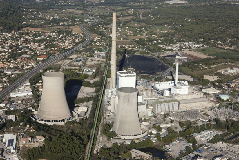 FRANCE - Paca - Bouches-du-Rhône - Gardanne. Vues aériennes de Gardanne, centrale solaire de Gardanne et de Fuveau, usine de production d'Alumine Alteo, centrale thermique de Provence, zone d'activité du Rousset.(7 photos) Voir le reportage sur Divergence-Images