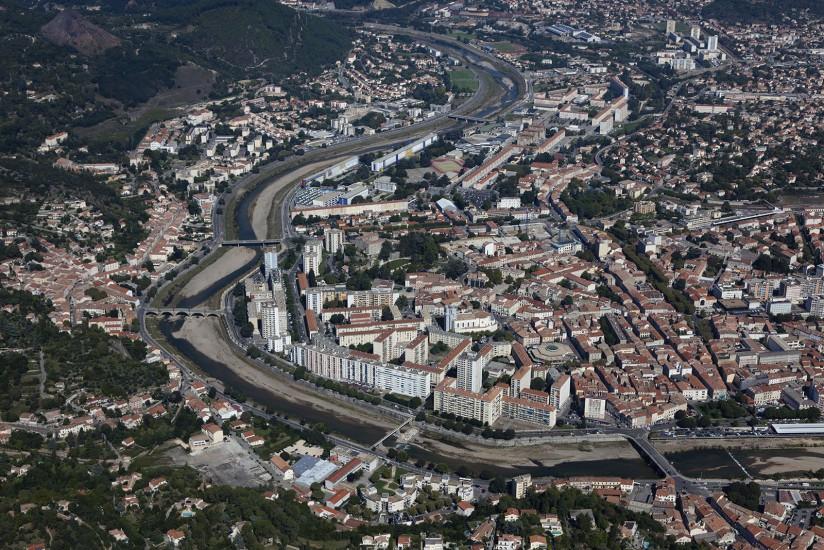 FRANCE - Paca - Gard - Ville d'Alès. Vues aériennes de la ville d'Alès, la capitale des Cévennes (20 photos) Voir le reportage sur Divergence-Images