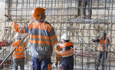 France, Bouches-du-Rhône, Marseille, travaux de la rocade L2 ou A507 contournement de 11 km reliant l'A7 à l'A50. Spie Batignolles, tunnel du Merlan, contremaitre ou chef de chantier
