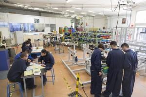 France, Bouches-du-Rhône (13), Istres, Lycée professionnel Latécoère  des Métiers des Industries de Procédés,  Formation BTS maintenance des équipements industriels ou MEI