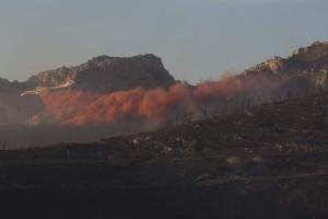 France, Bouches-du-Rhône (13), Marseille, incendie dans les calanques le 5 septembre 2016 au départ de Luminy entre Marseille et Cassis sur plus de 300 ha. Largage de retardant