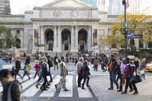 Etats-Unis, New York, Manhattan, Mid Town, New York Pulic Library sur Bryant Park et la 5th avenue