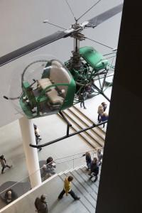Etats-Unis, New York, Manhattan, Midtown, le MOMA (Museum of Modern Art), musée d'art moderne et d'art contemporain, hélicoptère Bell 41D1