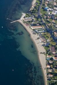 France, Var (83), Golfe de Saint Tropez, Prequ'île de Saint Tropez, Saint Tropez, hôtel résidence de la Pinède (vue aérienne)